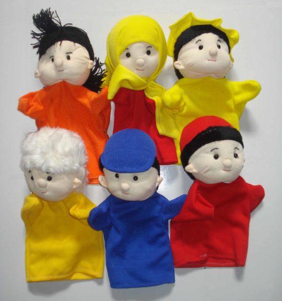 Boneka Panggung Keluarga
